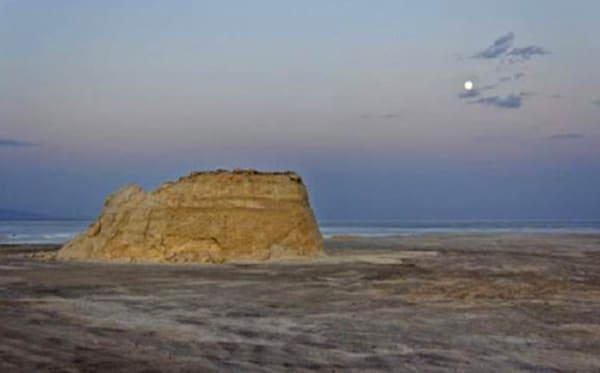 جزیره سرگردان کویر مرنجاب