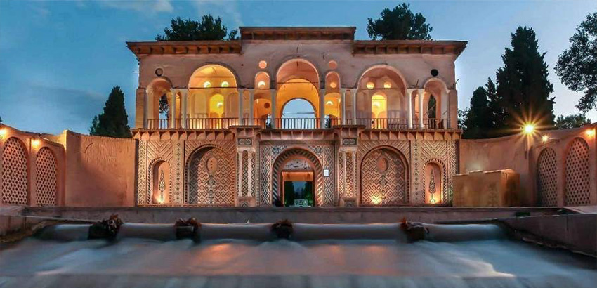 معماری باغ زیبای شاهزاده ماهان