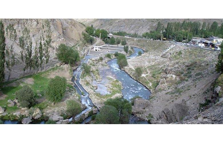 چشمه ابگرم اسک لاریجان