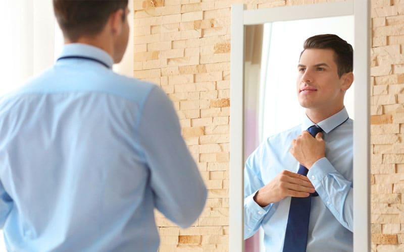 اهمیت دادن به نحوه لباس پوشیدن و زیبایی ظاهری برای اعتماد به نفس بالا