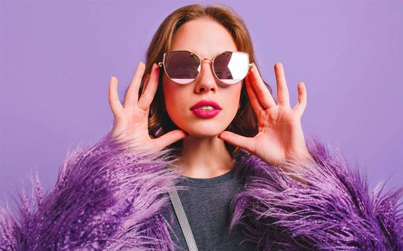 عینک آفتابی زدن برای افزایش اعتماد به نفس