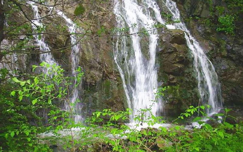 آبشار شارشار از جاهای دیدنی زنجان