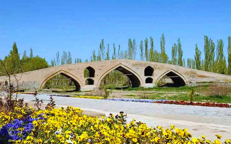 پل تاریخی بهاءالدین از جاهای دیدنی زنجان