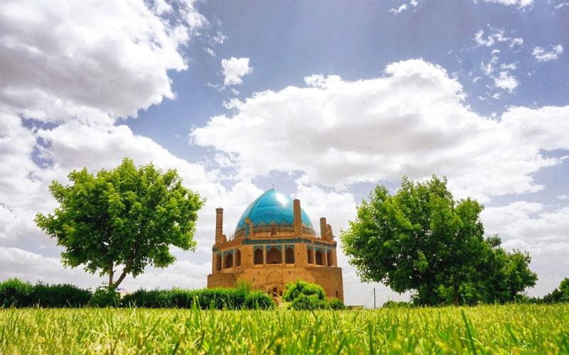 گنبد سلطانیه از جاهای دیدنی زنجان