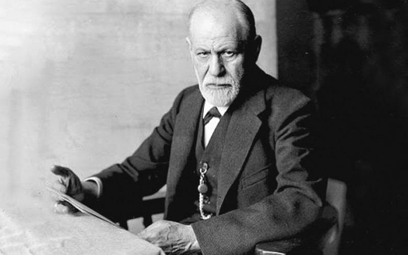 زیگموند فروید از افراد معروف خارجی متولد بهار