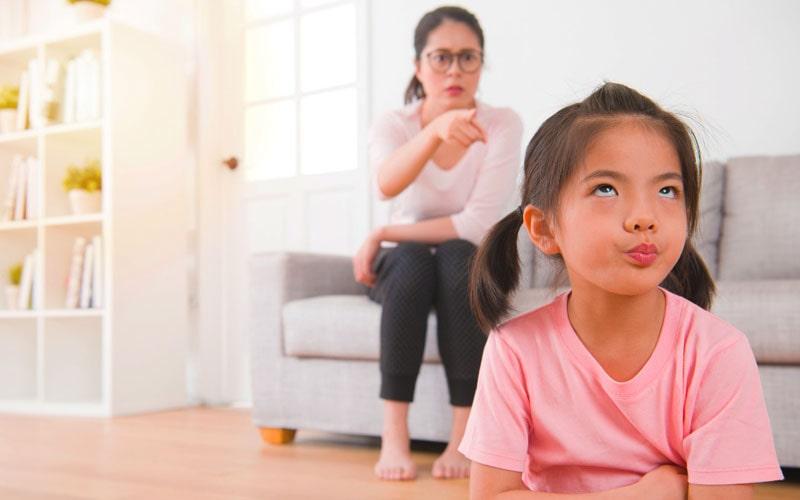 تهدید والدین از عوارض حرف گوش ندادن کودکان
