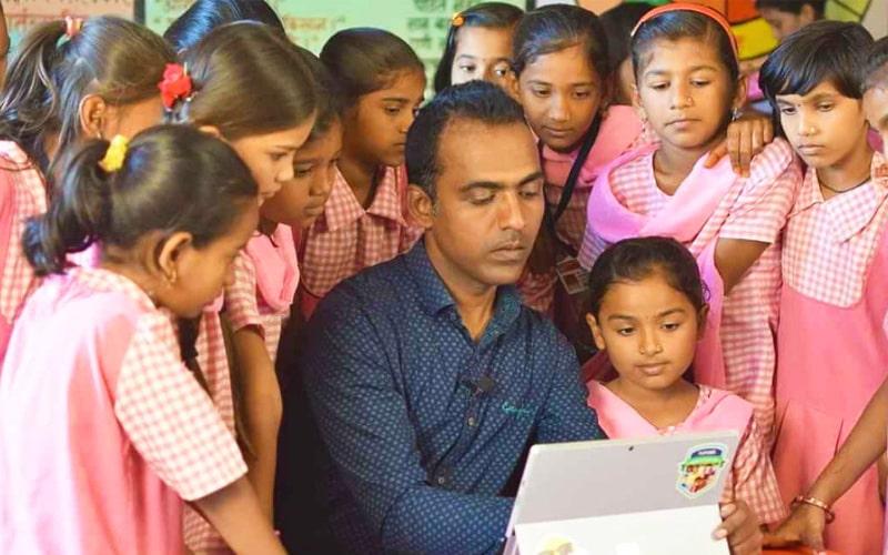 رانجیت سینگ دیسیل از بهترین معلم های دنیا