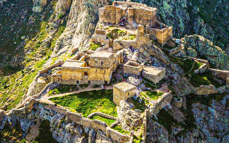 قلعه بابک از جاهای دیدنی تبریز