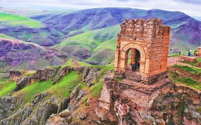 قلعه ضحاک هشترود از جاهای دیدنی تبریز